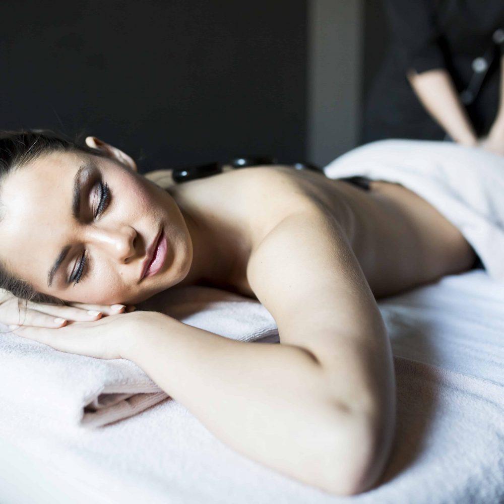 Hot Stone Massage in München bei ROPE cosmetics