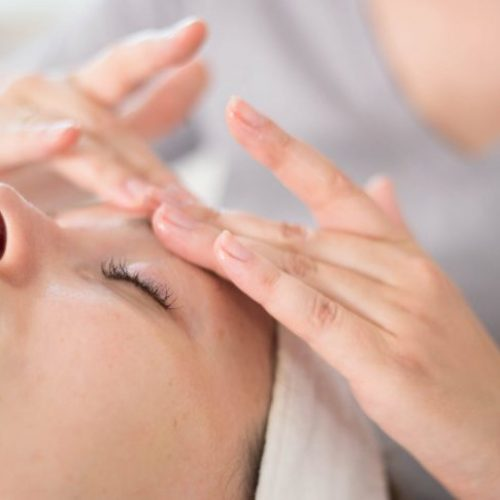 Gesichtsbehandlungen und Facialtreatments bei ROPE cosmetics im Institut HolisticSkinWork in München